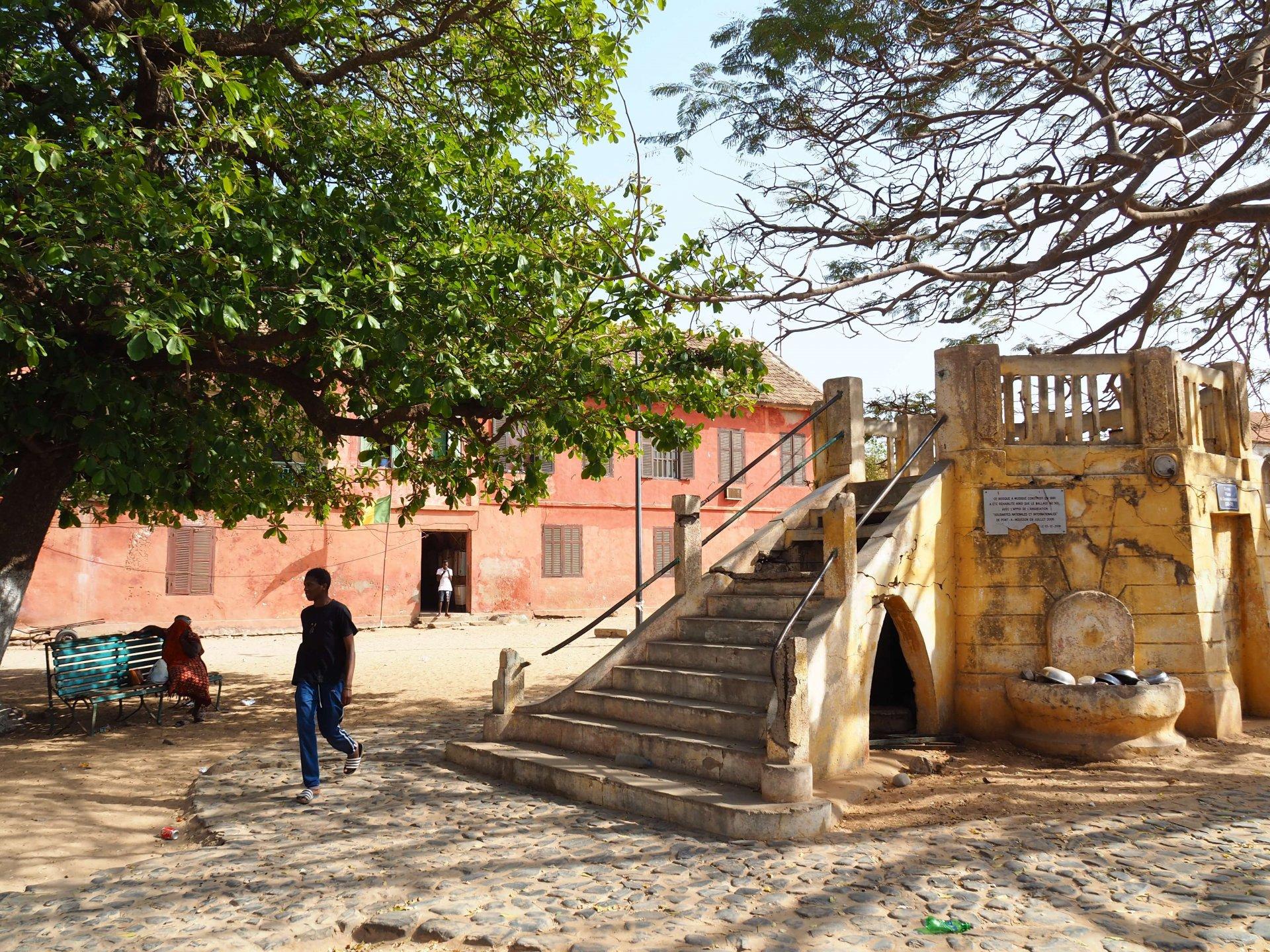 Une place à Gorée