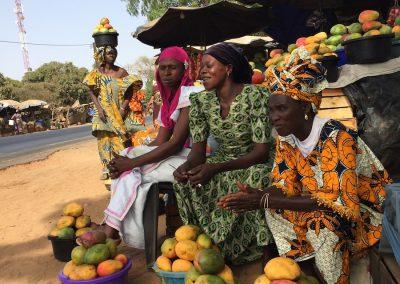 marchande de fruits au Sénégal
