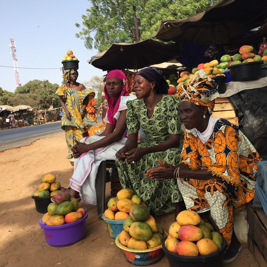 marchande de fruits au Sénégal