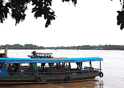 barque sur un bras du Mékong