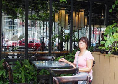 au café des arts à Hô Chi Minh