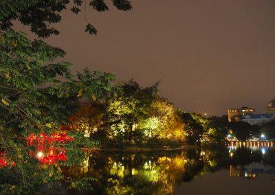 le lac près du vieux Hanoï, le soir