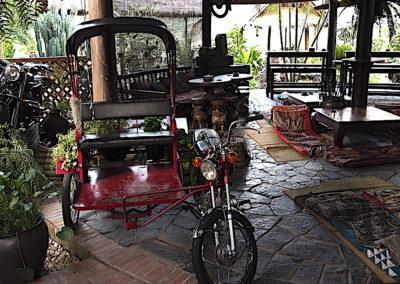 moto au bar utopia de Luang Prabang