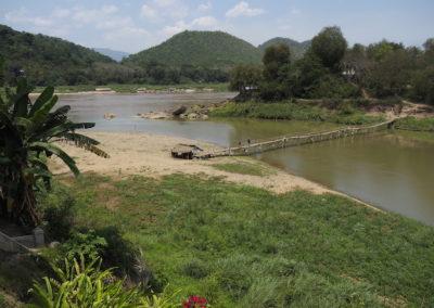 La rivière Nam Kahn se jette dans le Mékong