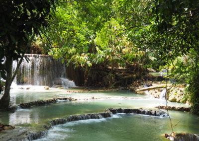 bassin d'eau naturelle au laos