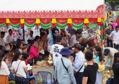 Cérémonie bouddhiste, un dimanche à Phnom Pehn