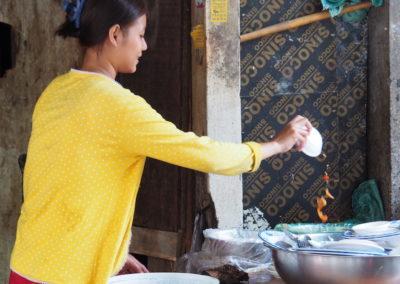 cuisinière de rue à Phnom Pehn