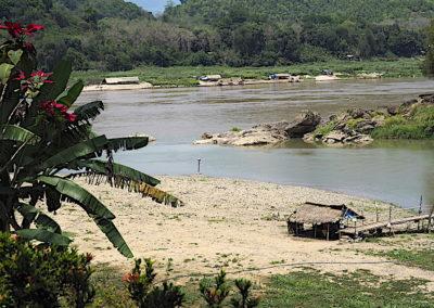 Le Nam Kham se jette dans le Mékong
