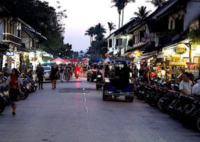scènes de rue à Luang Prabang