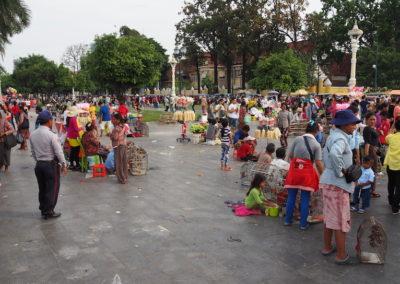 scène de rue à Phnom Pehn