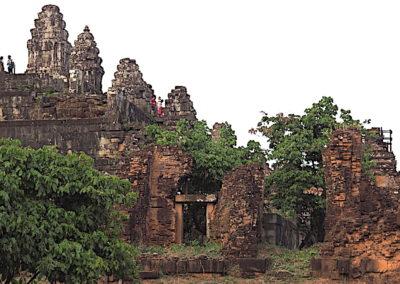 Le temple Phnom Bakheng sur la colline