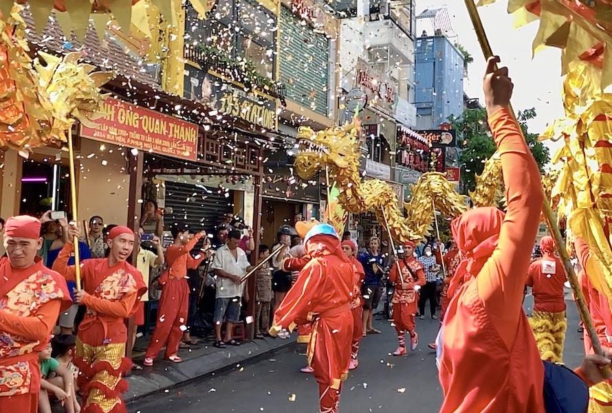 défilé lors de la fête du Têt à Saïgon