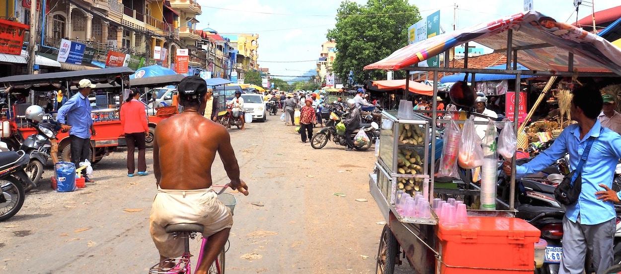 scène de rue à Kampot