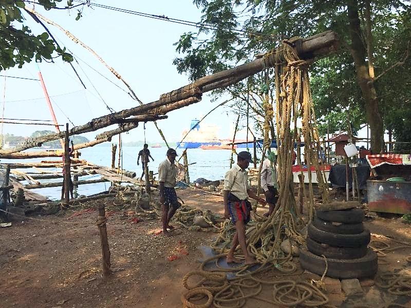 pêcheurs à Fort Kochi